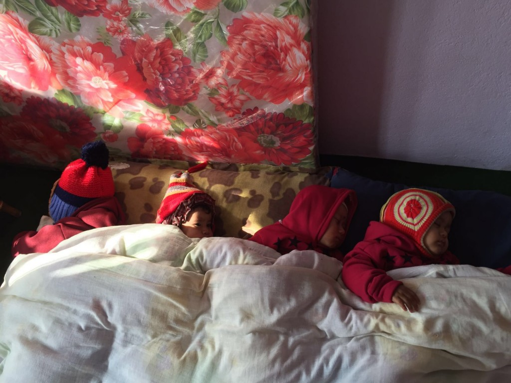 Mittagsschlaf im Kindergarten Dharmastali
